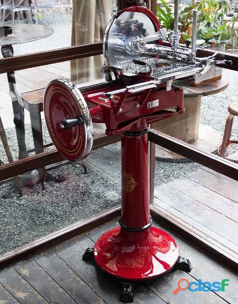 Rebanadora roja nl restaurada con volante y base berkel