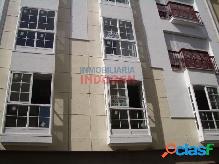 Piso de 70 m2 con 2 dormitorios situado junto a la calle principal, cerca del ayuntamiento (navalmoral de la mata)