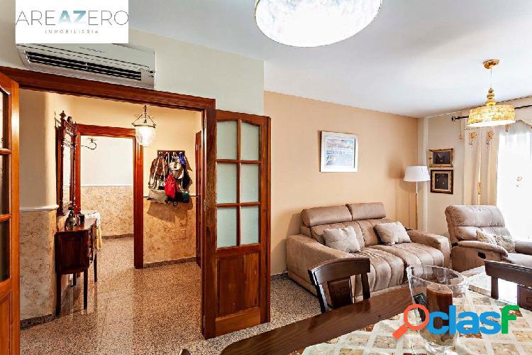 Gran vivienda unifamiliar en el centro de níjar (almería)