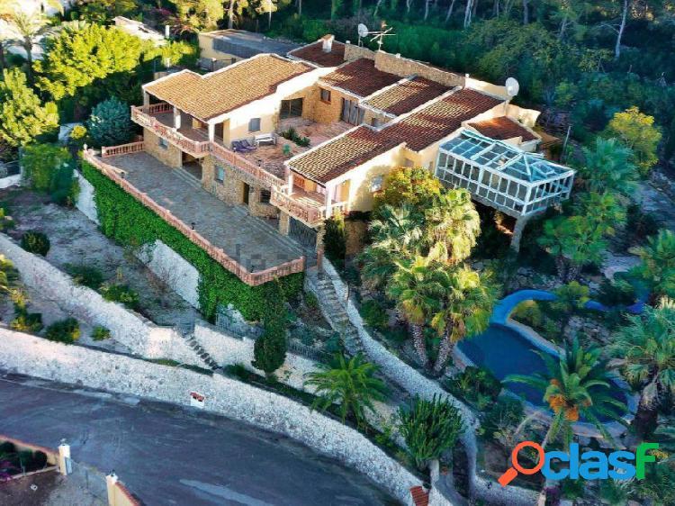 Villa lujo con vistas al mar, 1000m2 contruidos y 5320m2 de parcela
