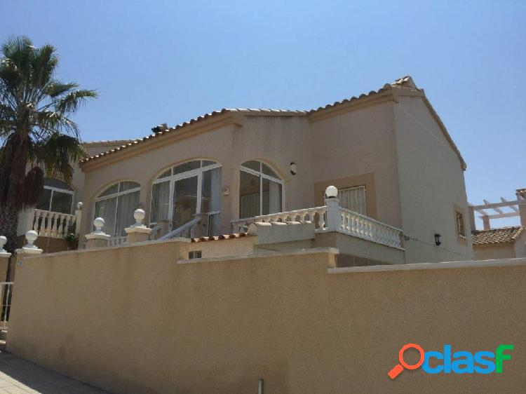 Chalet independiente orihuela costa