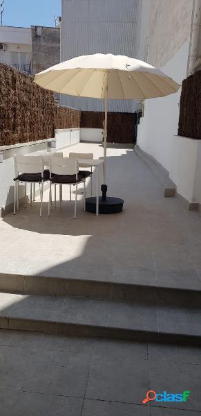 Bonito loft amueblado con amplia terraza