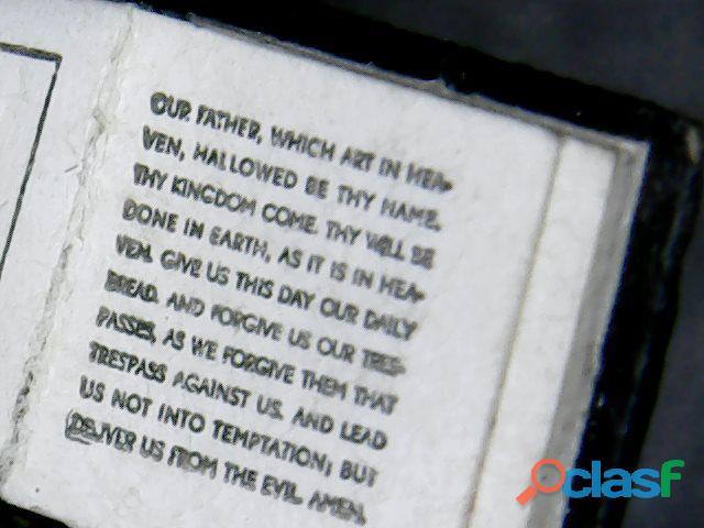 """Libro miniatura """"el libro más pequeño del mundo"""""""