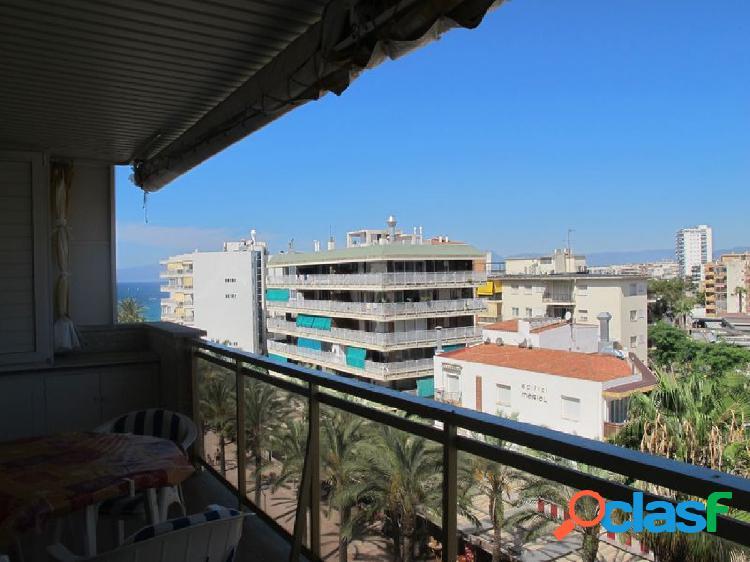 Apartamento junto playa levante y acantilados.