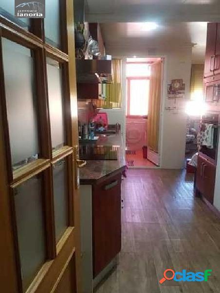 La noria vende piso con salon cocina muy grande, 3 dormitorios, 2 baños, garaje