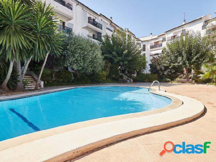 Dúplex de 187m2 con piscina y parking en son dureta.
