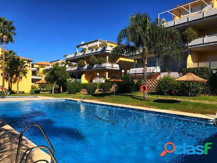 Magnifico bajo con jardin a la venta en marbella, zona cabopino!!