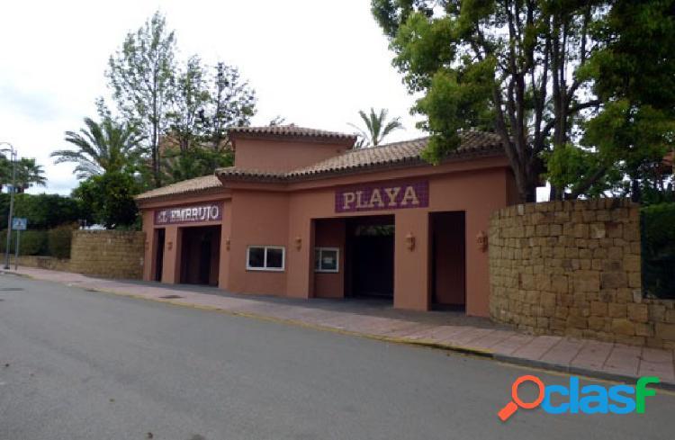 Plaza de garaje a la venta en urbanización el embrujo playa-nueva andalucia.