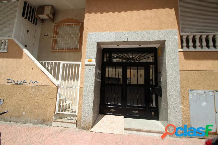 Apartamento de 2 dormitorios con vistas despejadas y piscina 3