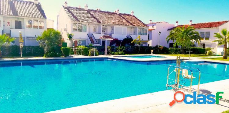 Dúplex en venta en torrox costa, 2 dormitorios, piscina comunitaria, muy céntrico