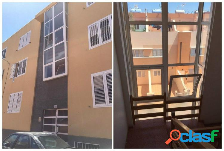 Flat in carrizal ingenio, las palmas de gran canaria. vpo has an area of 97 meters built. second and last floor without