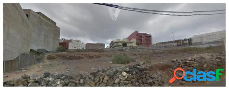 Solar urbano in the center of guía very close to the university surrounded by all kinds of services is an m-4. the regu
