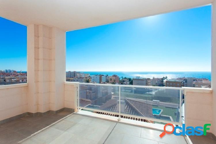 Apartamentos llave en mano de 2-3 dormitorios con 2 baños a 150m de la playa con vistas al mar