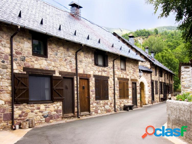 Casa / chalet adosado en venta sesué valle de benasque ribagorza huesca.