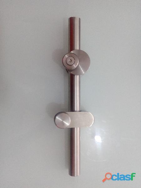accesorios en acero para baños y oficina