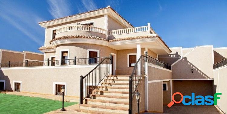Villa de estilo mediterráneo a tan solo 2 km. al mar