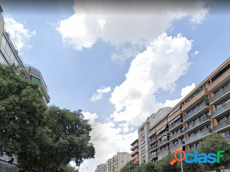 Edificio en venta en sagrada familia, barcelona.