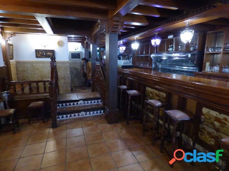 Precioso restaurante en el puerto de roquetas de mar