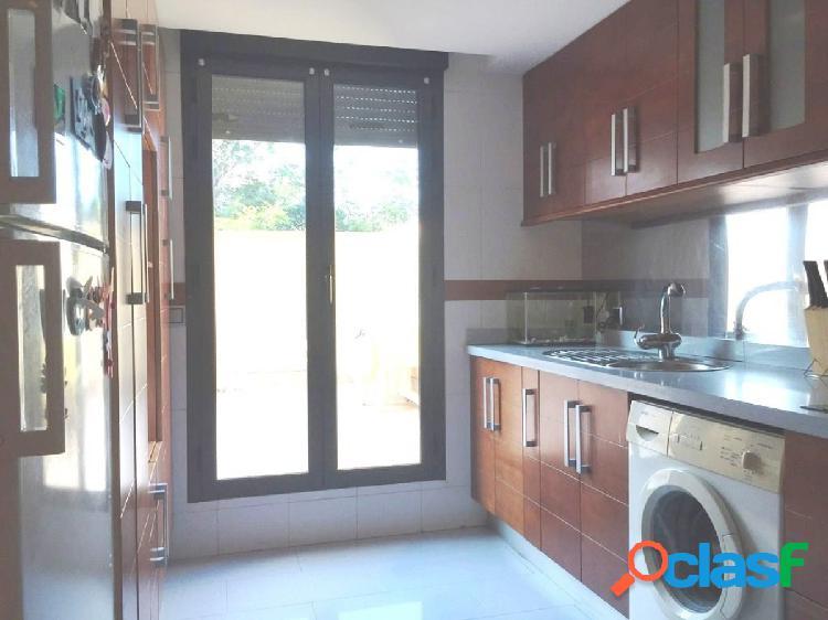 Magnífico chalet adosado en esquina zona ermita san isidro 285.000€ 4 dormitorios dobles, 3 baños 1