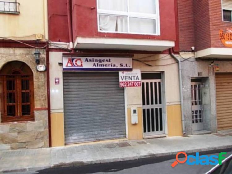 Local comercial en venta en almeria.