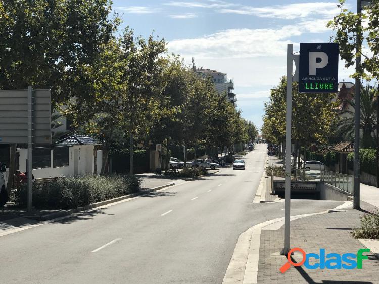 Plaza de parking en avenida sofia en venta
