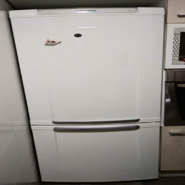 Nevera combi electrolux no frost 1.85 m