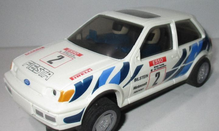 Coche slot ford fiesta esso hornby hobbies