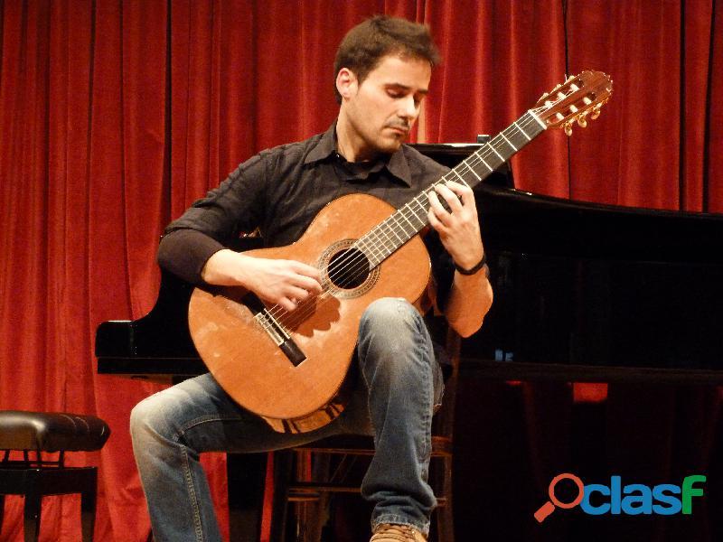 Clases de guitarra clásica y eléctrica, lenguaje musical y armonía en hospitalet