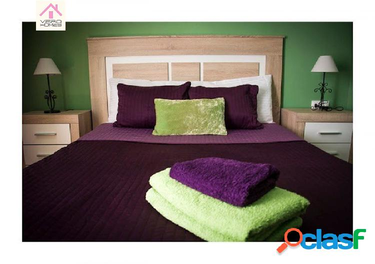 Vivienda reformada de tres dormitorios junto a plaza españa!!