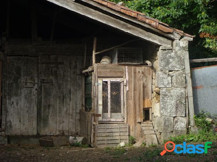 Casa de piedra que necesita reforma integral en a baña