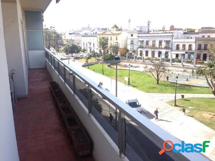 Amplio piso en avenida álvaro domecq