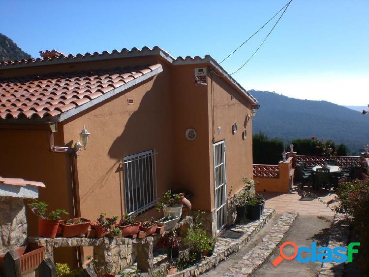 Casa en venta en urbanización roca de malvet, excelentes vistas, terreno de 860 m2.