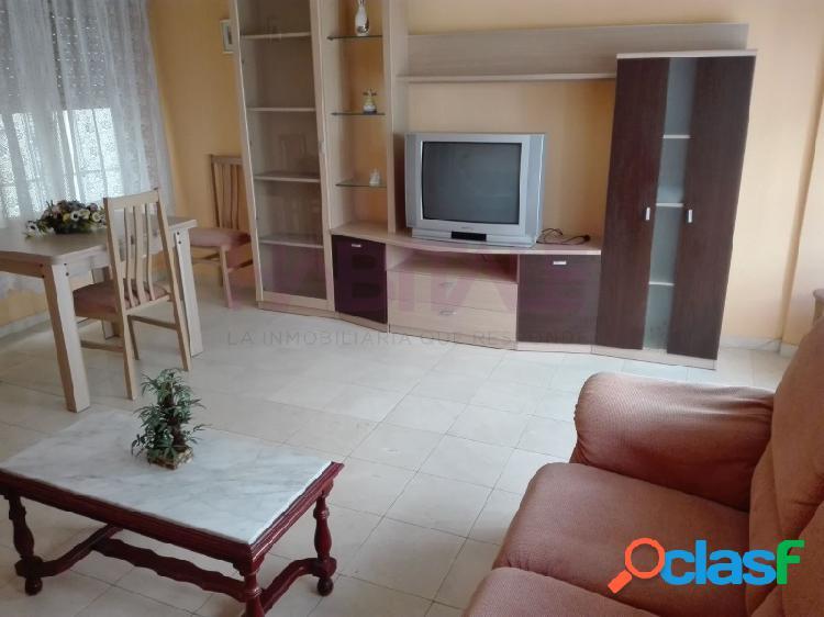 Elda centro: piso 80 m2, ascensor, 3 dormitorios, baño y aseo. 79.000 €