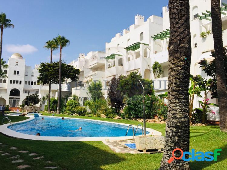 Fantastico apartamento con piscina y jardines a un paso de la playa del arenal en javea, costa blanca