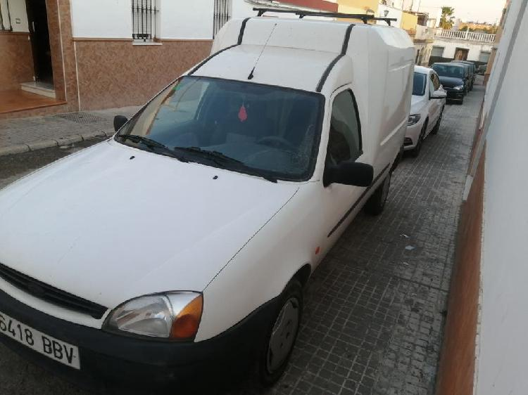 Ford tourneo courier 2000