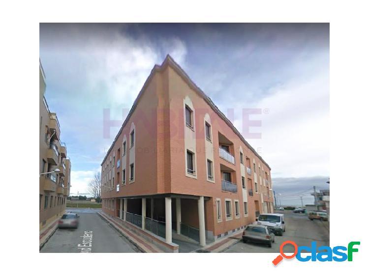 En castellanos de moriscos, se venden pisos de 2 y 3 dormitorios en calle ronda exterior.