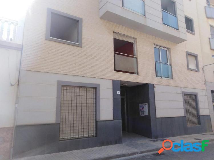 Ático de 2 dormitorios y terraza en ejido centro-oeste