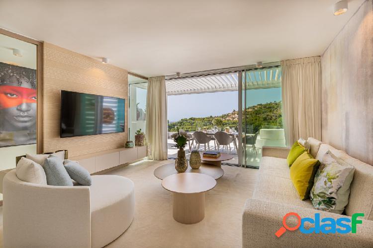 Casa con piscina privada en nueva promoción diseño y confort