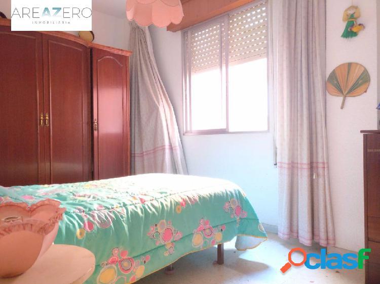 Piso de 4 dormitorios en nueva andalucia!!