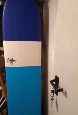 Tabla surf 5.6 espuma quasi nuevo con amarilla