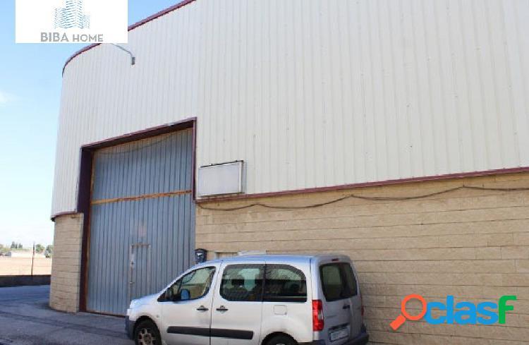 Se vende nave industrial en camarma de esteruelas. poligono nº5, sin comisión de agencia.
