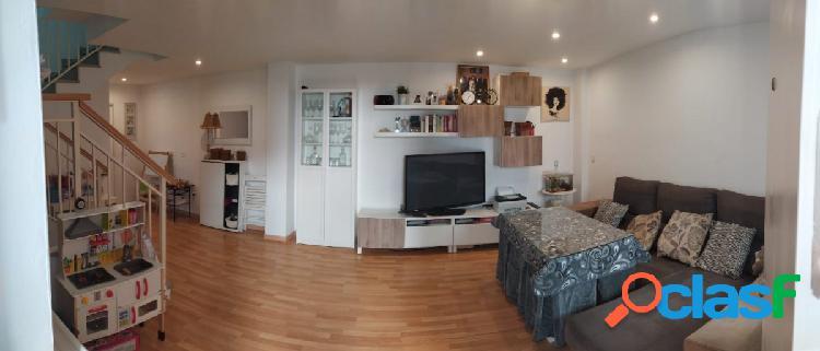 Precioso piso tipo dúplex en huétor tájar zona casa de la cultura con garaje y trastero incluido !!!