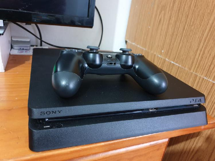 Play Station 4,(500 Gb)