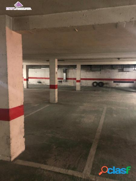 Se vende plaza de parking en zona ensanche