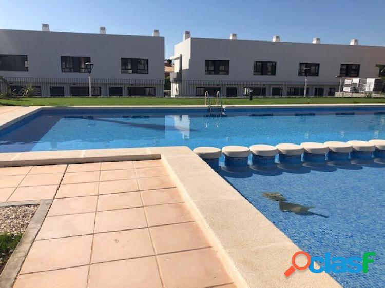 Bungalow nuevo con piscina a 5 minutos de elche, es tuyo 390-€ al mes