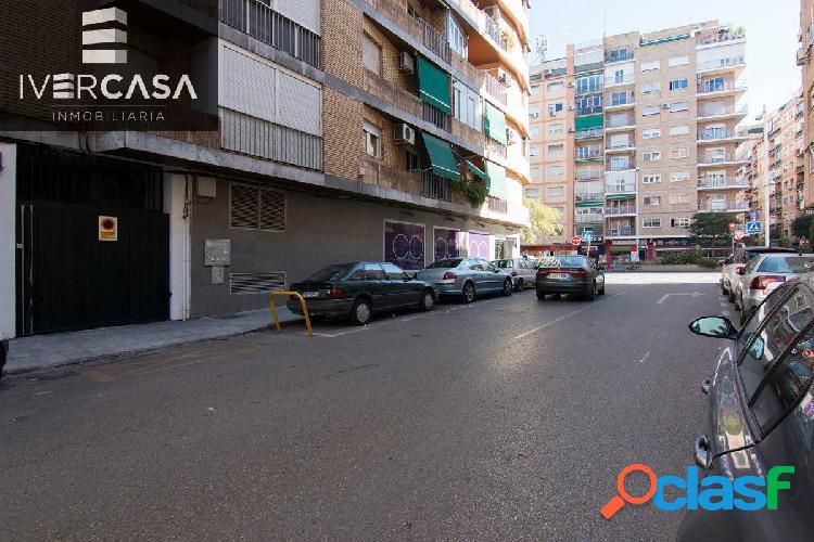 """Plaza de garaje en camino de ronda, junto gimnasio """"yo10"""""""