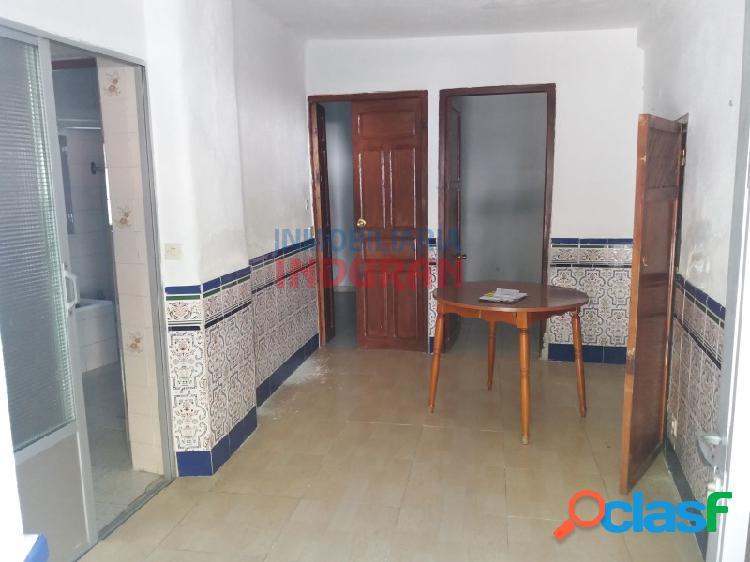 Dos viviendas independientes de 54 m2 cada una situadas en una casa de dos plantas en zona centro (Navalmoral de la Mata) 1