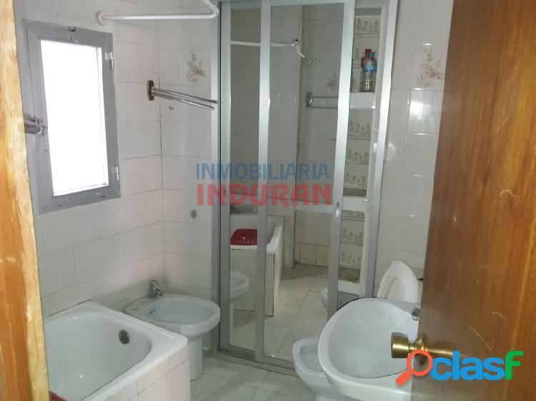 Dos viviendas independientes de 54 m2 cada una situadas en una casa de dos plantas en zona centro (Navalmoral de la Mata) 3