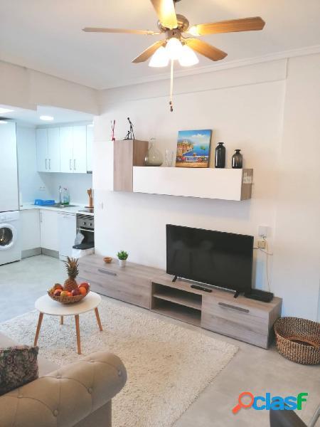 Reformado apartamento en la playa de los náufragos, torrevieja.