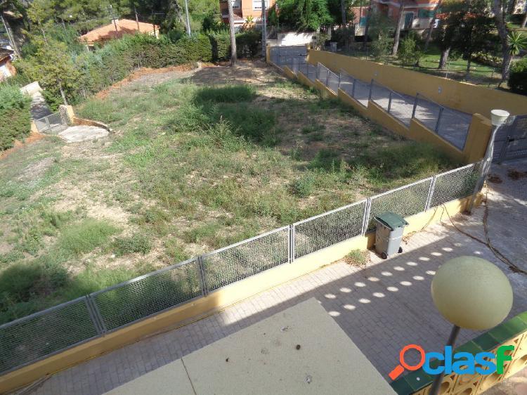 Parcela urbana con licencia y proyecto de 4 viviendas en cumbres de calicanto !!!!